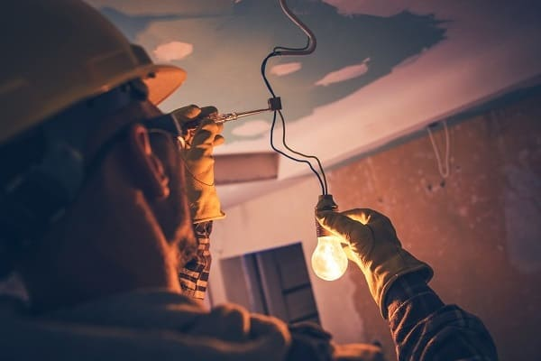 Working Contractor Electrician